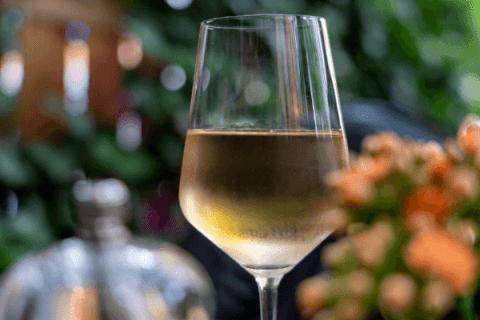 Le vin au restaurant : les clés pour une expérience réussie 2